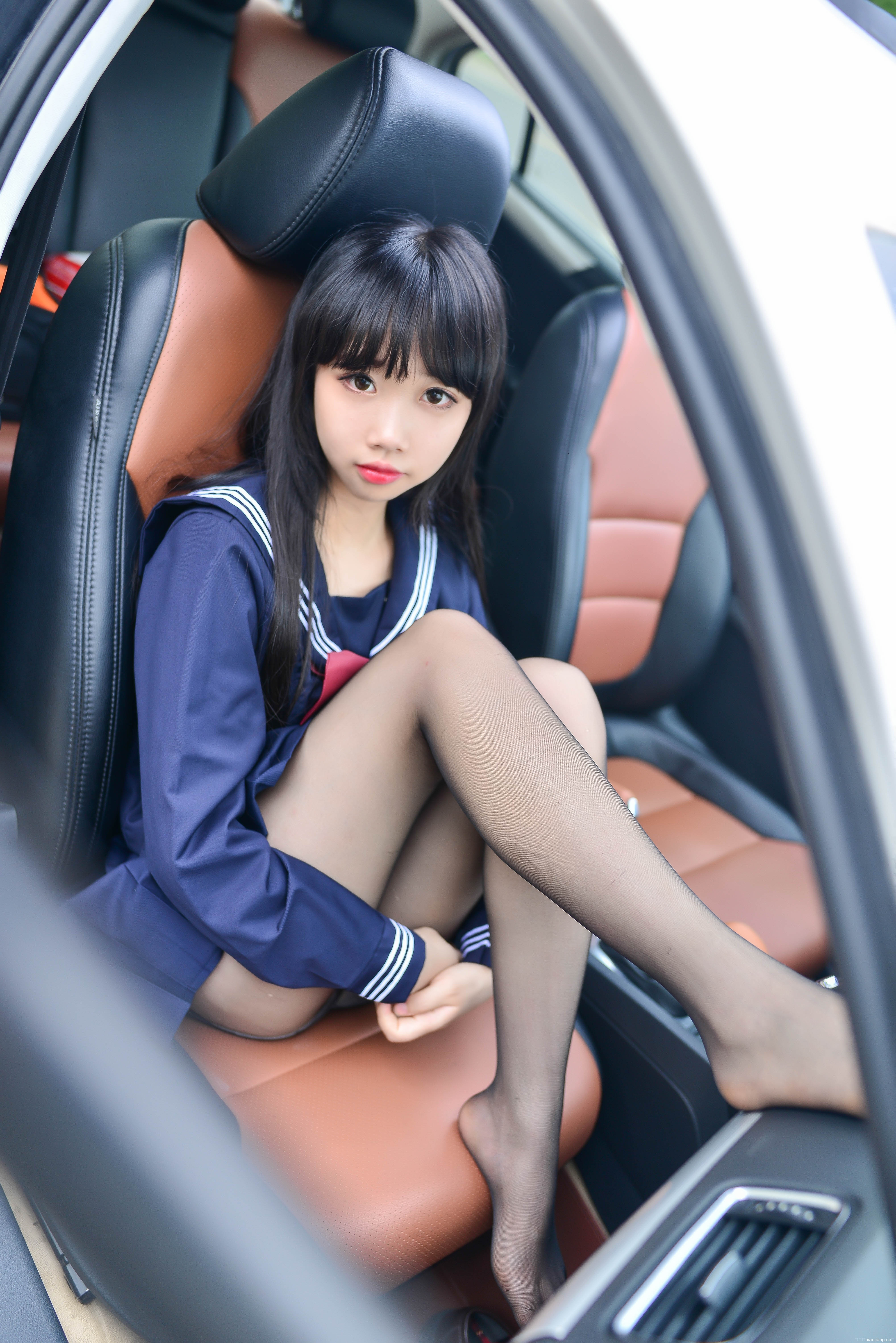 雪琪SAMA – 车内JK [20P93M]