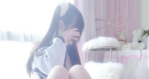 元气小奈音(九尾狐狸m) -校服白丝与校服泡泡袜[20P+7V/600MB]