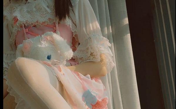 [草莓味软糖]萝莉少女与向日葵【418M】